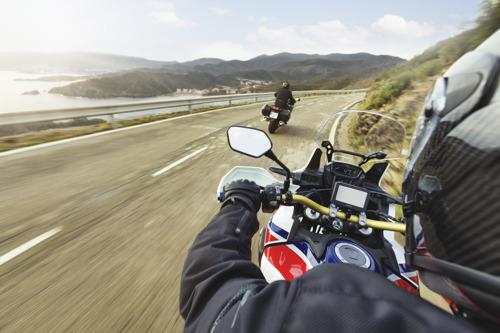 Preview: Partez à l'aventure tout en restant connecté avec le GPS pour moto zūmo® 396 de Garmin®