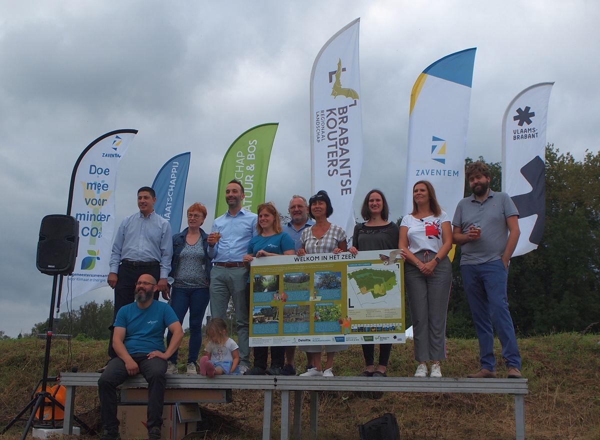 Op 26 september werd een nieuwe stukje belevingsnatuur aan Het Zeen in Sterrebeek officieel geopend
