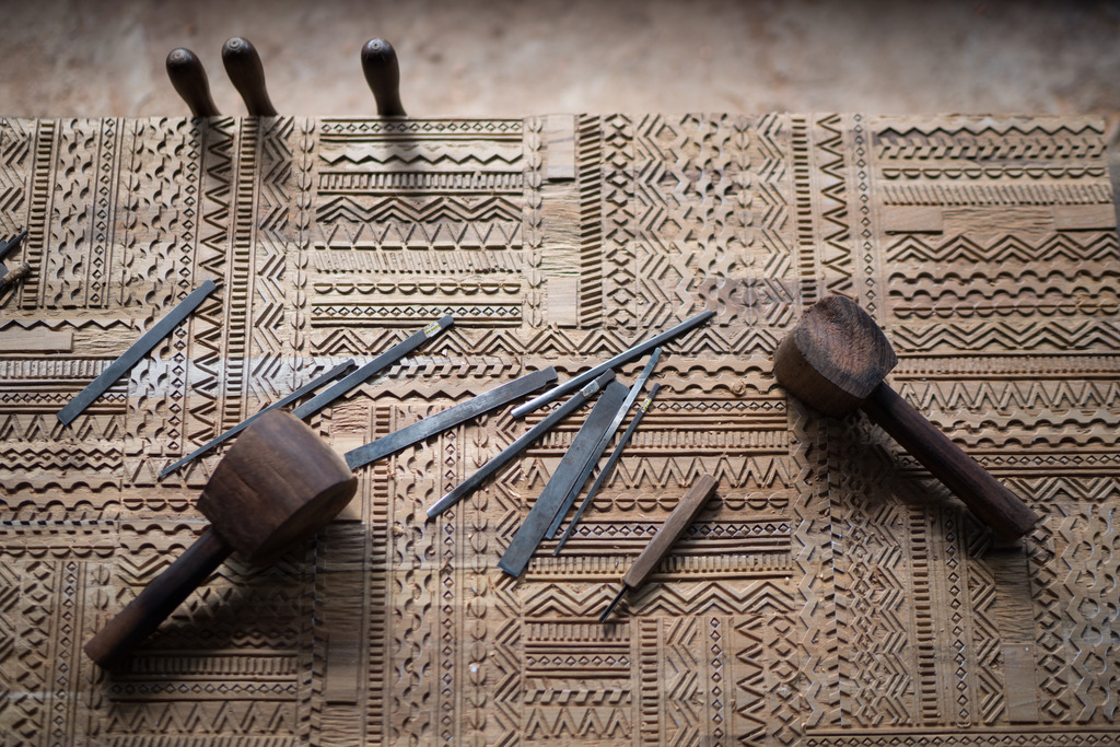 Thin Salontafel Ethnicraft : Teak meubelen zichem ligna sideboard black frame ethnicraft