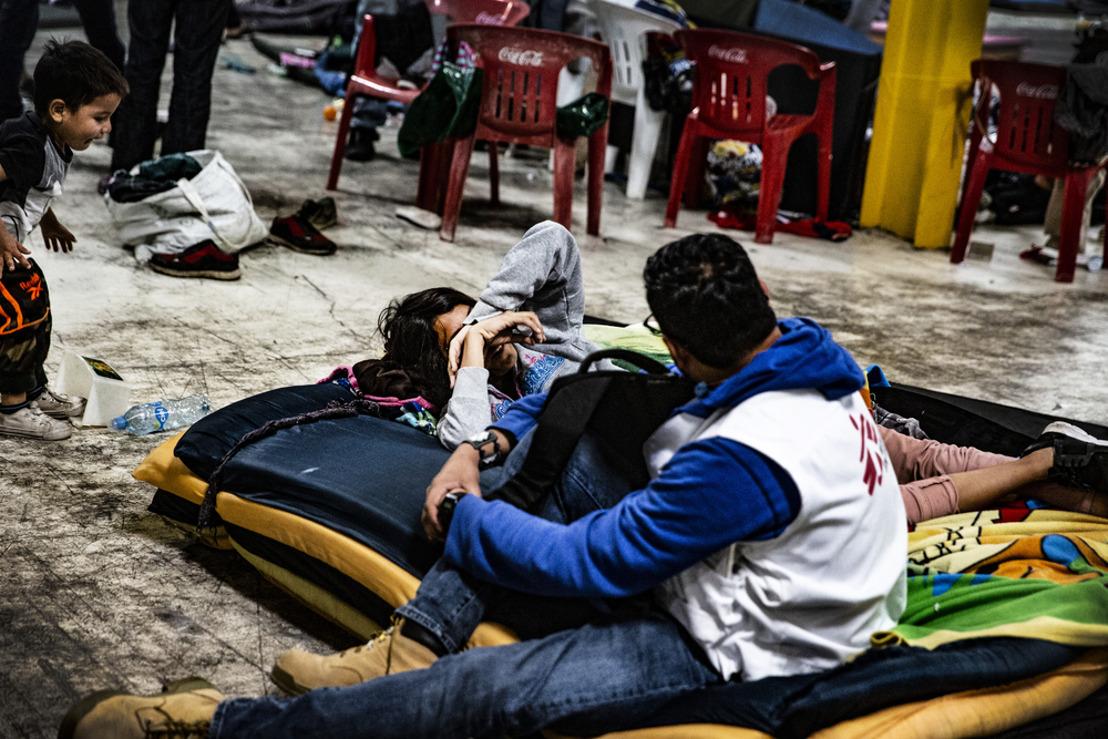 Las redadas y detenciones masivas en México condenan a los migrantes a la clandestinidad y bloquean su acceso a los servicios médicos