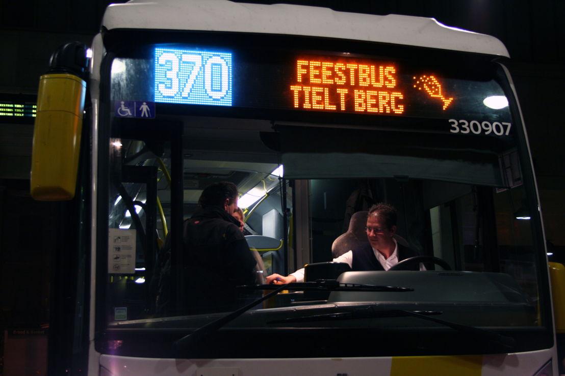 Feestbus370b