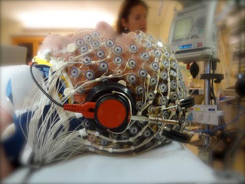 Studie toont aan dat inschatting bewustzijn en pijngewaarwording bij palliatieve sedatie beter kan