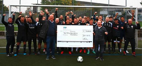 YouSport übergibt TSV Pfedelbach Scheck über 10.000 Euro