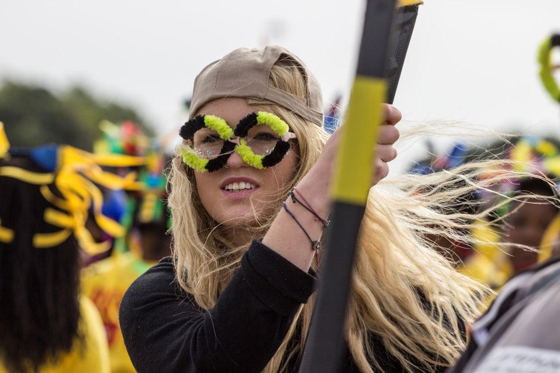 Closing-Parade-National-Arts-Festival-2015---pic-CuePix-Amanda-Horsfield-smaller