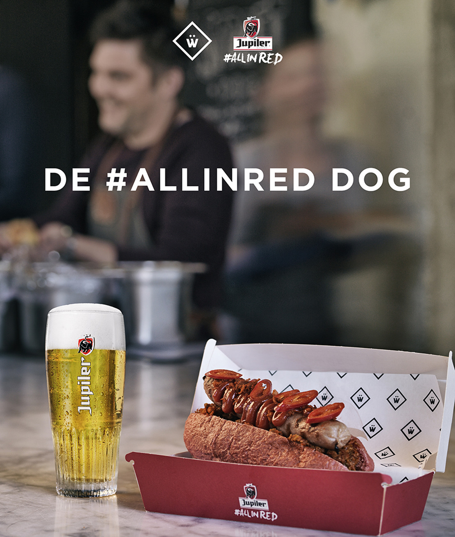 Jeroen Meus crée le #ALLINRED Dog rouge vif avec WÜRST pour soutenir les Diables Rouges