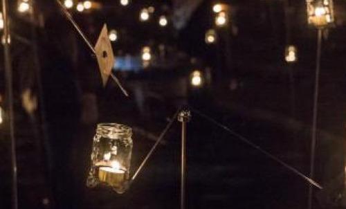 Een wolk van lichtjes: Leuven ondersteunt gezinnen bij rouw en verlies