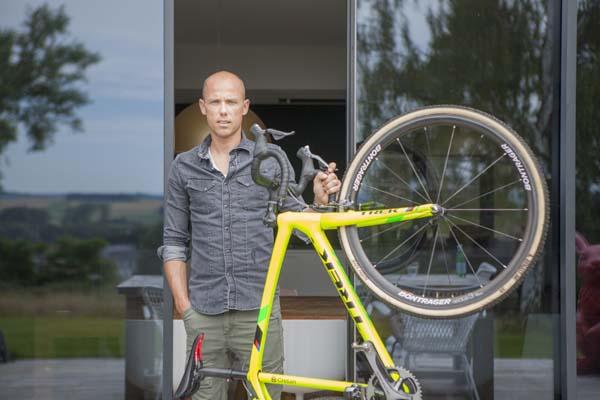 Sven Nys in Het huis (c) VRT / Polle Van Rooy