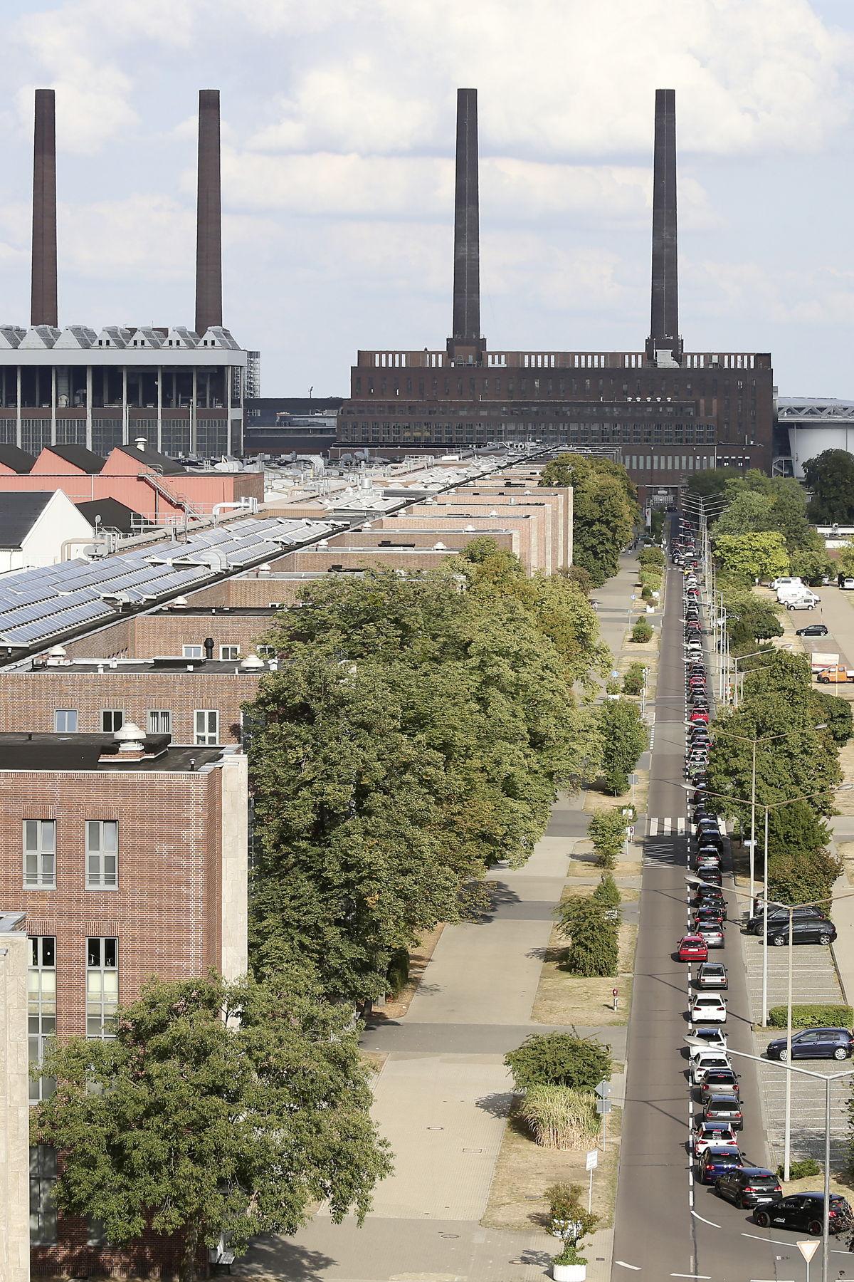 Conclusión exitosa: El convoy GTI convoy a través de las instalaciones en Wolfsburg.