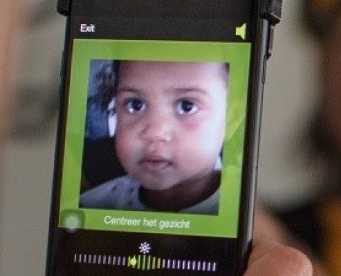 De oogtest via een app op een smartphone