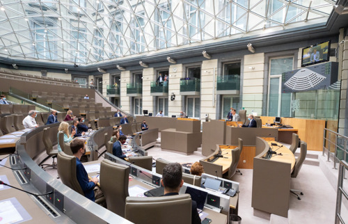 De onderzoekscommissie PFAS-PFOS gaat van start en plant onmiddellijk ontmoeting met de bewoners in en rond Zwijndrecht