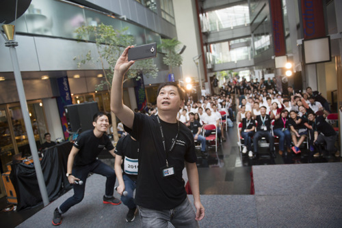 Inaugural Cathay Pacific 24-hour Hackathon brings out the best in tech-savvy youngsters