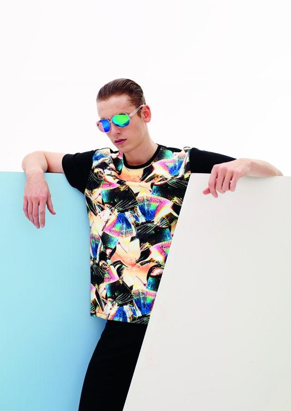 T-Shirt - €8