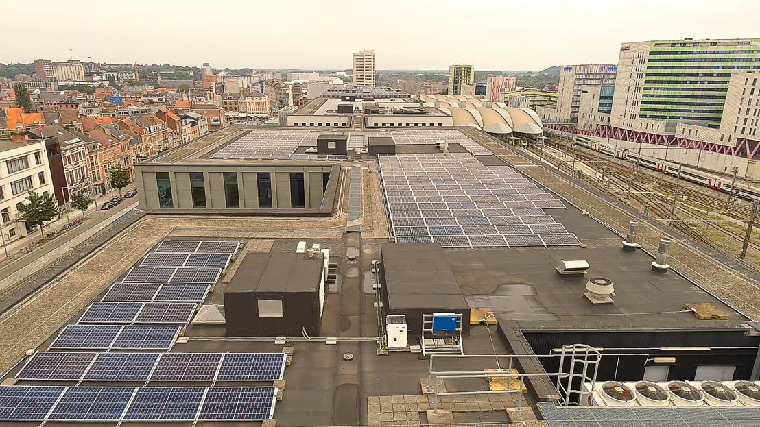 Insaver installeert zonnepanelen op dak van KBC-gebouw in hartje Leuven