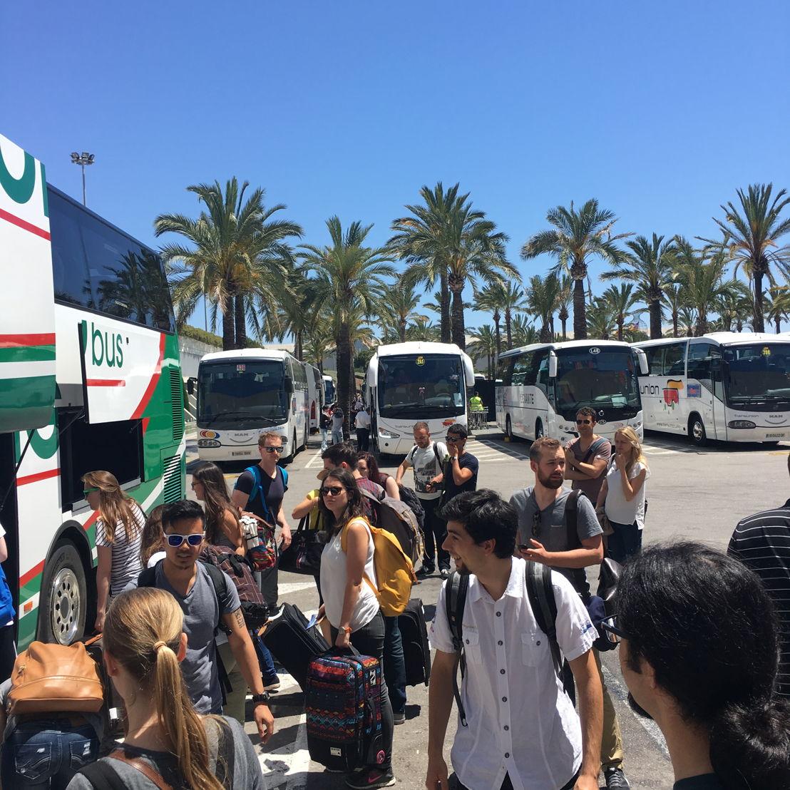 Nach der Landung ging es weiter mit dem Bus in Richtung Hotel...