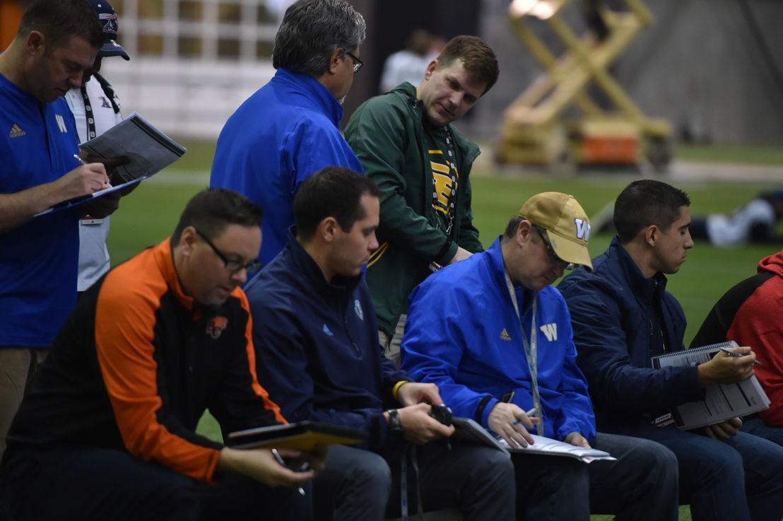 Des recruteurs lors du camp d'évaluation régional de l'Ouest, présenté par adidas. Crédit : Matt Smith/LCF