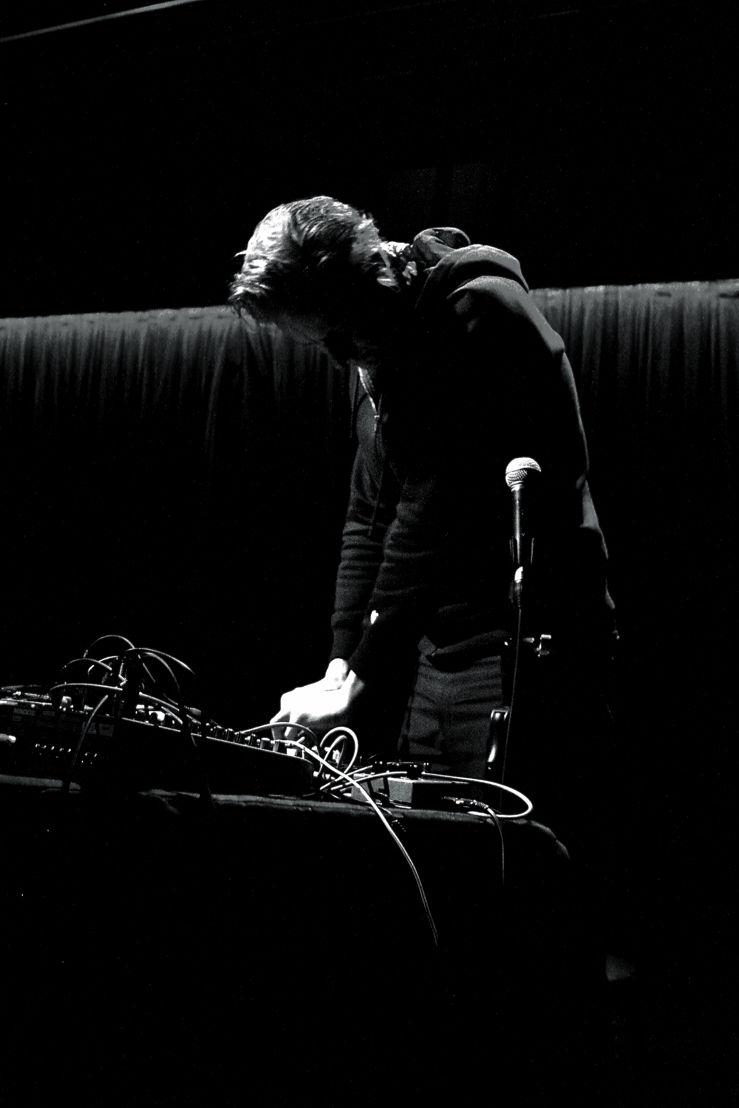 Dictaphone © Helga Raimondi