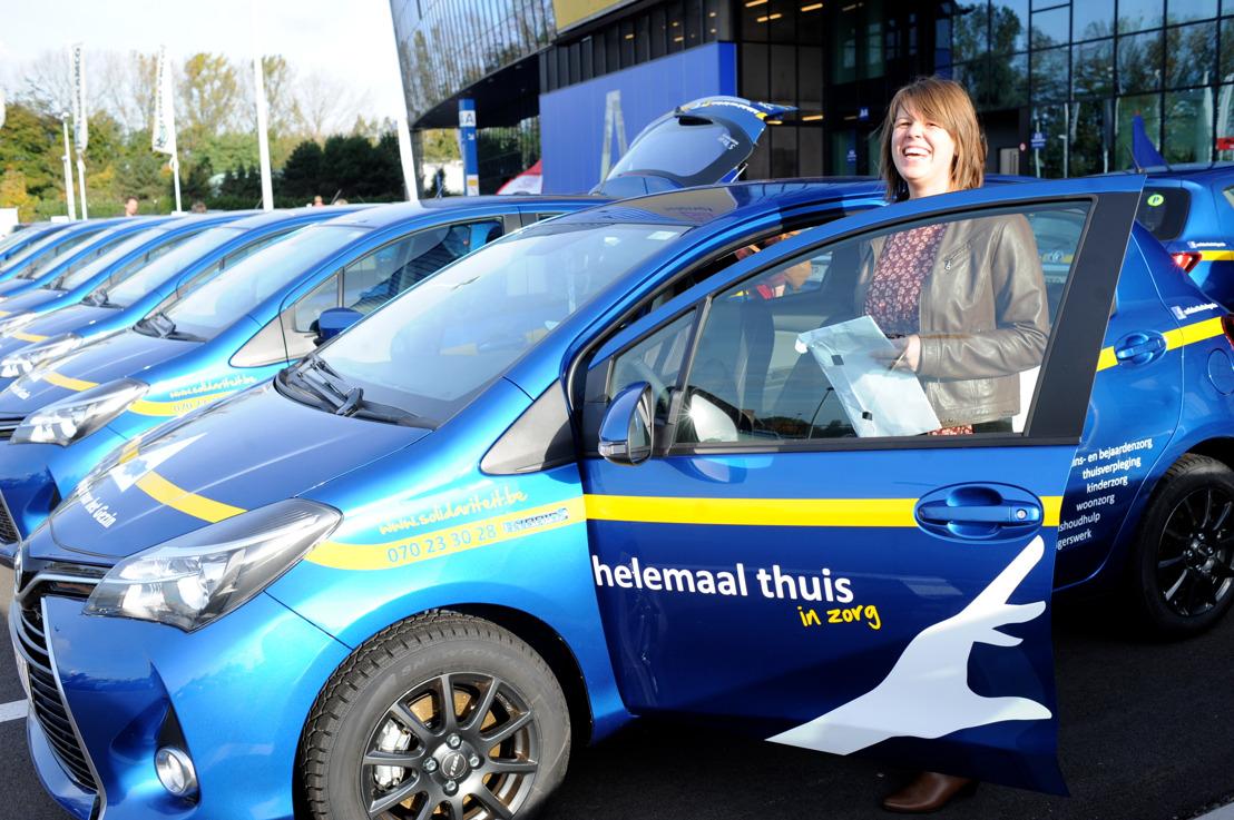 Toyota Belgium levert 700 hybrides aan Solidariteit voor het Gezin