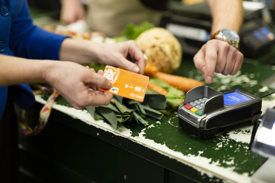 Près de 6 Belges sur 10 utilisent moins d'argent liquide que l'année dernière