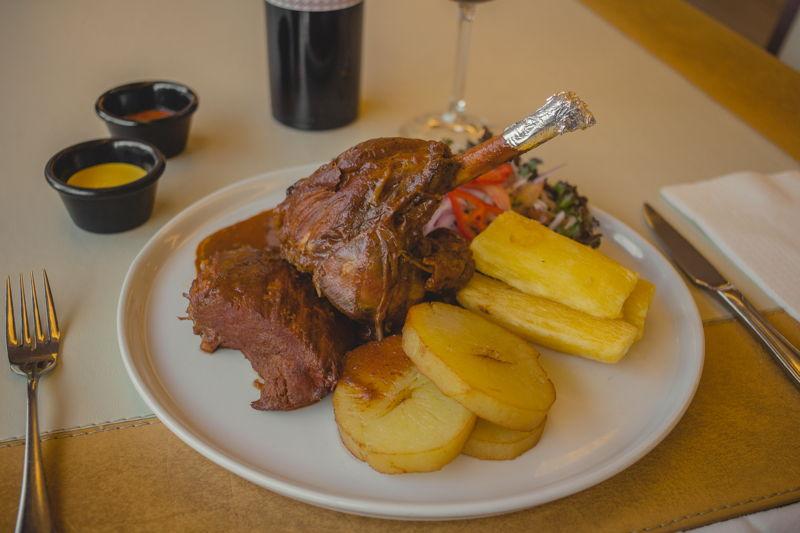 3 carnes (cordero, res y cerdo) en salsa norteña