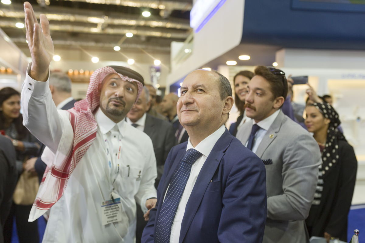 H.E. Eng. Amr Nassar, Minister of Trade and Industry meeting a Saudi exhibitor at The Big 5 Construct Egypt
