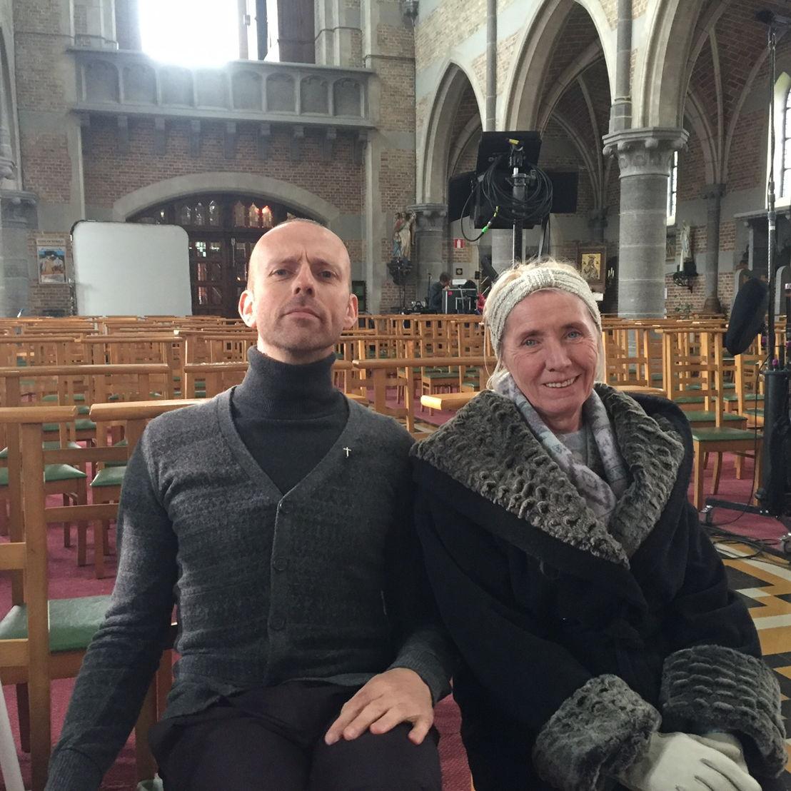 Ria en meneer pastoor (Sien Eggers en Günther Lesage)<br/>(c) VRT