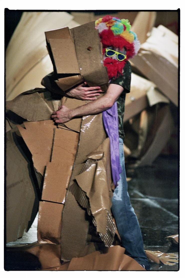 Meg Stuart - BLESSED - 1>2/06 © Chris Van der Burght
