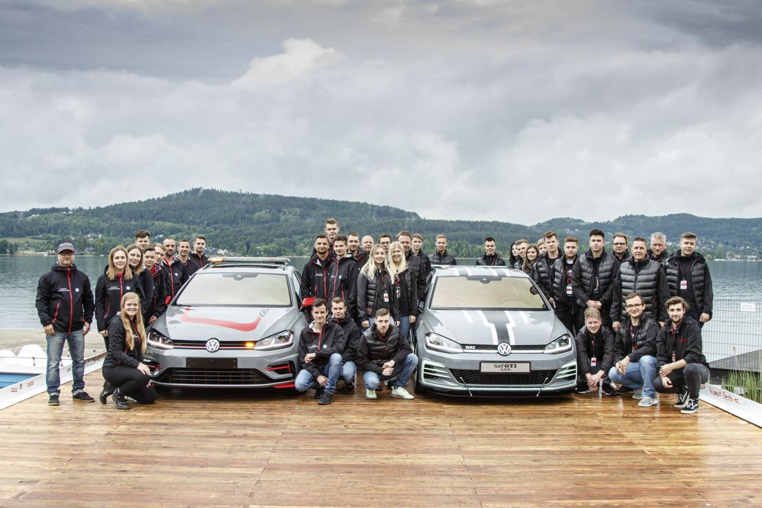 Doble estreno en la reunión de GTI: Los estudiantes de Wolfsburg y Zwickau presentan los Golf de exhibición desarrollados por ellos – el Aurora y el FighteR
