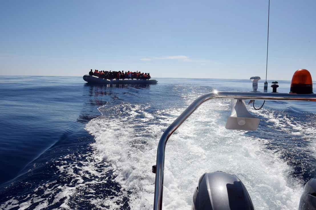 Une des deux embarcations secourues par le MY Phoenix le 13 mai. (c) Ikram N'Gadi/MSF