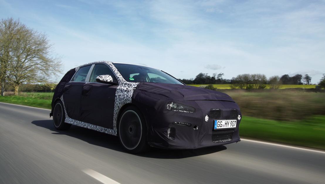 Bientôt en production: Hyundai i30 N est testé sur les routes anglaises!