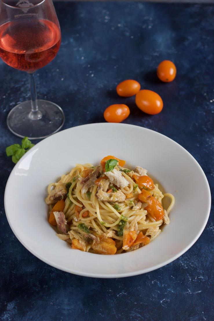Spaghetti con sgombro e pomodorini gialli_Monica Chiocca_2