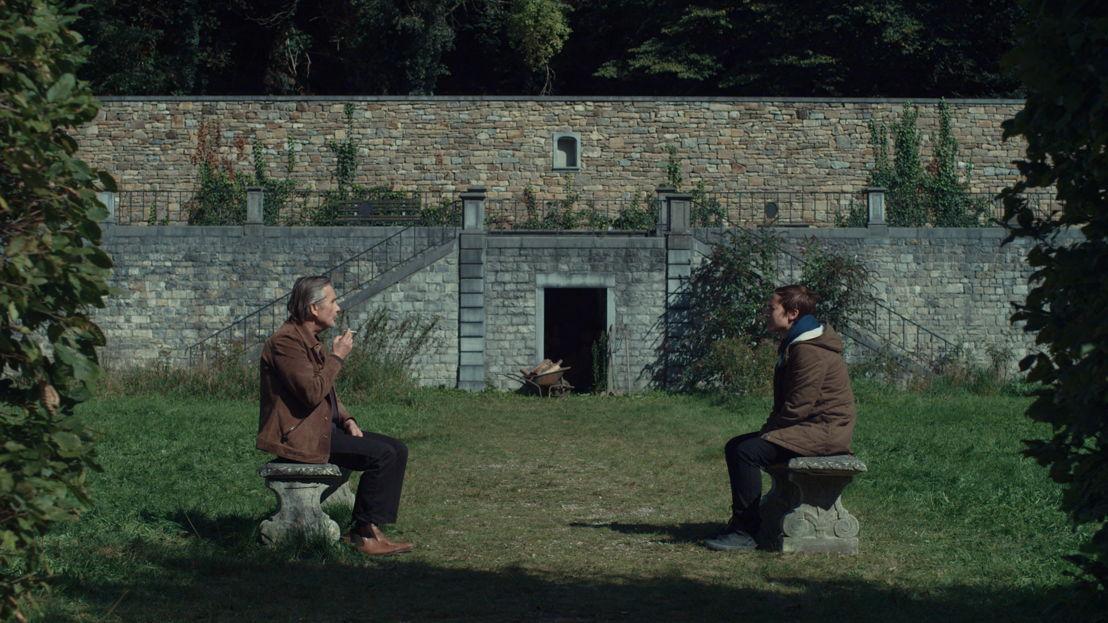 Guy Béranger (Angelo Bison) en Chloé Muller (Stéphanie Blanchoud) - (c) RTBF
