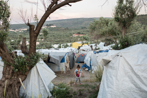 Greece: Confinement, violence and chaos in Moria refugee camp
