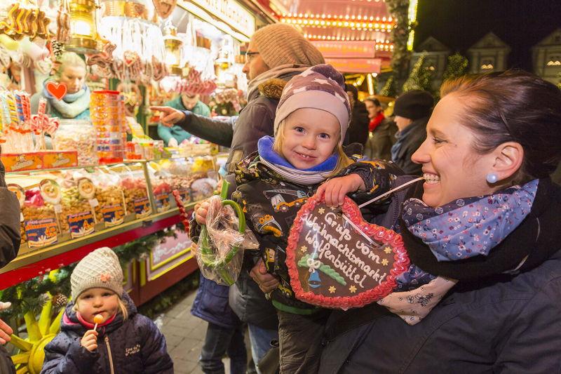 Weihnachtsmarkt Wolfenbuttel Herz, Fotograf Chr istian Bierwagen, Rechte Stadt Wolfenbüttel