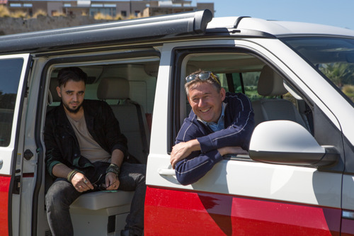 Rudi Vranckx en Yassine Atari op roadtrip langs de nieuwe breuklijnen van Europa