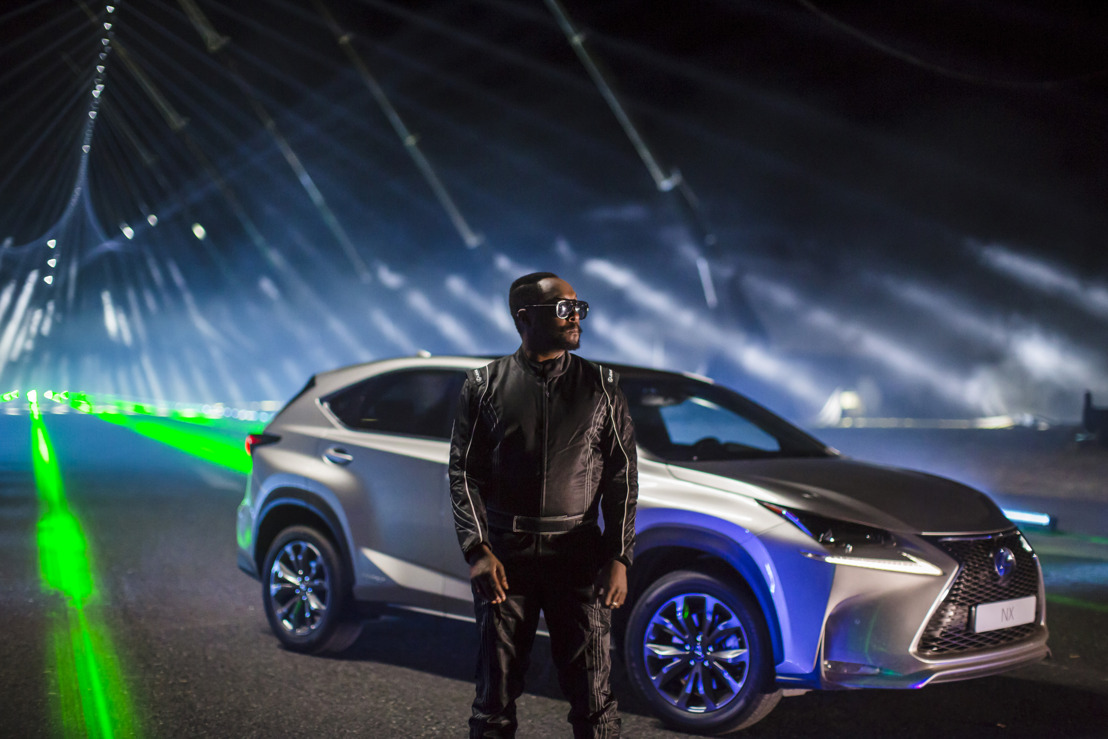 will.i.am ET LEXUS CREENT UN STREET SHOW SONS & LASERS D'ANTHOLOGIE