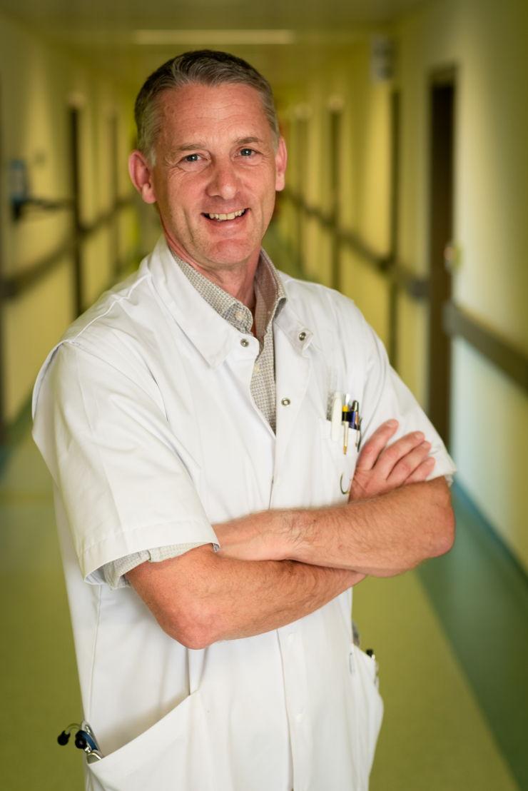 Prof. Bart Neyns, afdelingshoofd Medische Oncologie UZ Brussel - Foto: Thierry Geenen