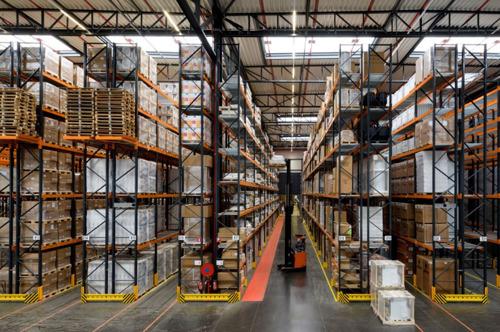 Het grootste depot voor sanitair en verwarming van de provincie Luik bevindt zich in Alleur