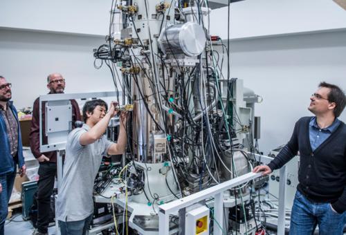 Première européenne : inauguration d'un centre de recherche de cryo-microscopie électronique à haute résolution