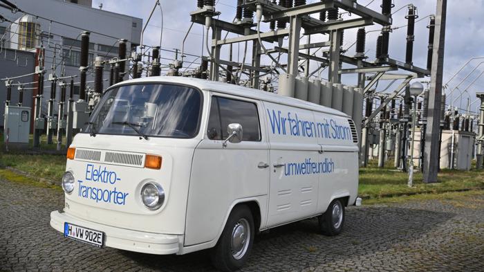 Back to the Future: Volkswagen Commercial Vehicles toont op Techno-Classica zijn pionier van de elektromobiliteit