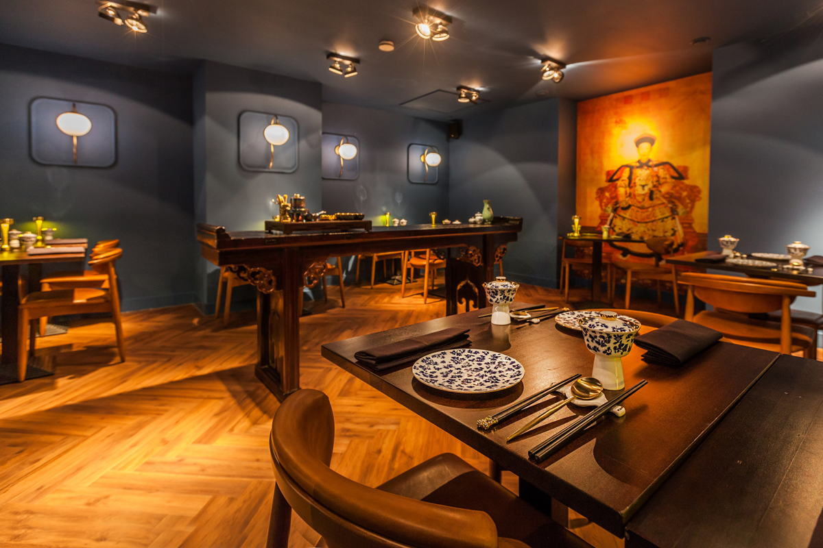 The restaurant interior was inspired by the Qianlong Emperor, the sixth emperor of the Manchu-led Qing dynasty