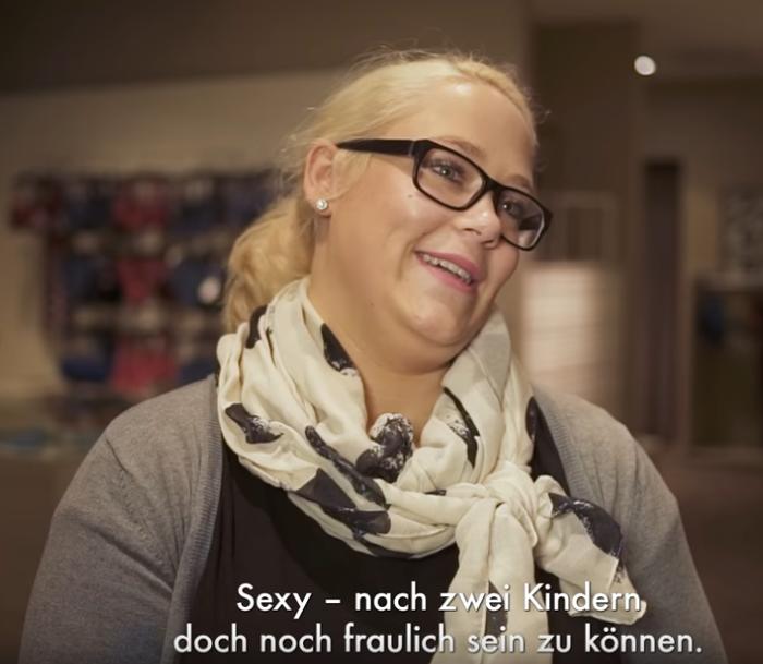 So reagieren Frauen, wenn sie zum ersten Mal einen BH anziehen, der wirklich passt