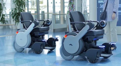 Panasonic, en pro de la accesibilidad con sillas de ruedas autónomas y traducción instantánea en el aeropuerto japonés de Haneda, Tokyo