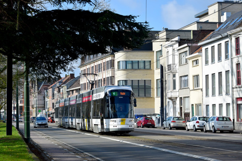 De Lijn past tramhaltes lijn 2 en 4 aan voor de Albatros