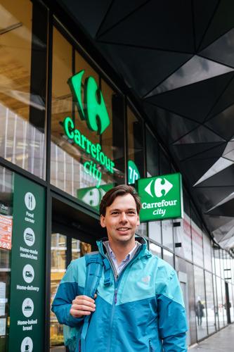Antwerpenaren kunnen Carrefour-boodschappen via Deliveroo laten bezorgen