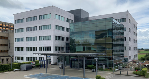 Pfizer België draagt bij tot onderzoeks- en ontwikkelingsinspanningen in de strijd tegen COVID-19