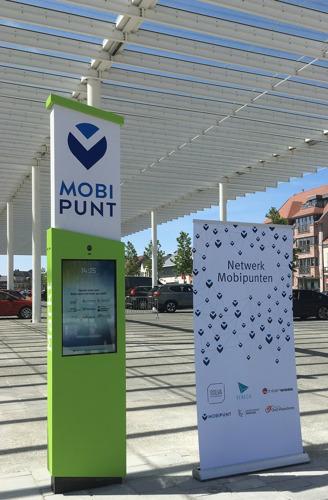 Opening eerste mobipunt project 'netwerk mobipunten' op het marktplein in Sint-Lievens-Houtem
