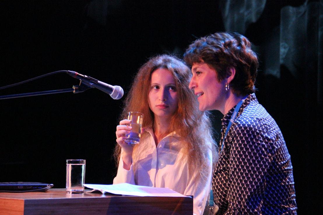 Anna Korsun (winnaar Gaudeamus Award 2014) en Vannessa Lann tijdens Gaudeamus Muziekweek Academy 2014 - Foto: Co Broerse