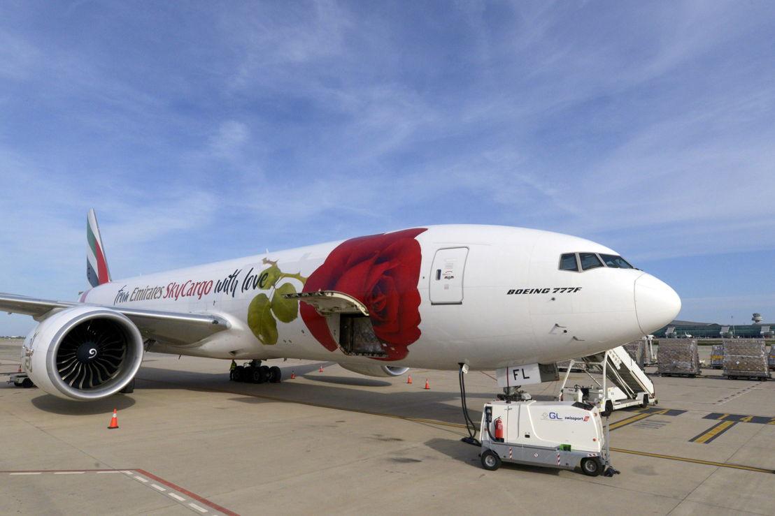 تنقلت روزي، إحدى طائرات الإمارات للشحن الجوي، خلال شهرين بين 35 مدينة في 25 دولة