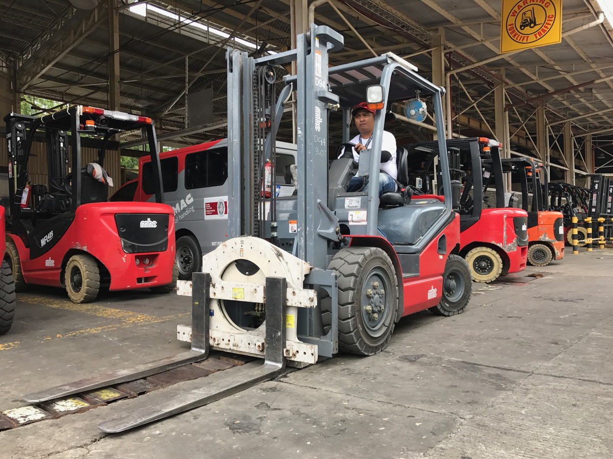 MHE-Demag Philippines serves clients from the food and beverages industry, third party logistic warehouse and fast moving consumer goods industry.
