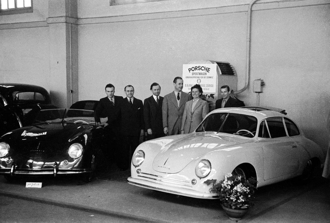 1949. En febrero sale el primer 356 Cabriolet con carrocería fabricada por la empresa suiza Beutler